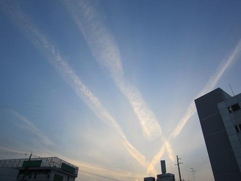 IMG_20120302-001変な雲♪.jpg